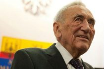 Polonia: Tadeusz Mazowiecki, primul premier capitalist, a murit la varsta de 86 ani