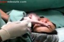 VIRAL VIDEO! Uite ce face un bebelus abia nascut pentru a nu fi separat de mama!