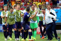 Olanda a îngenuncheat Spania într-un meci în care Van Persie şi Robben s-au distrat cu apărarea iberică.