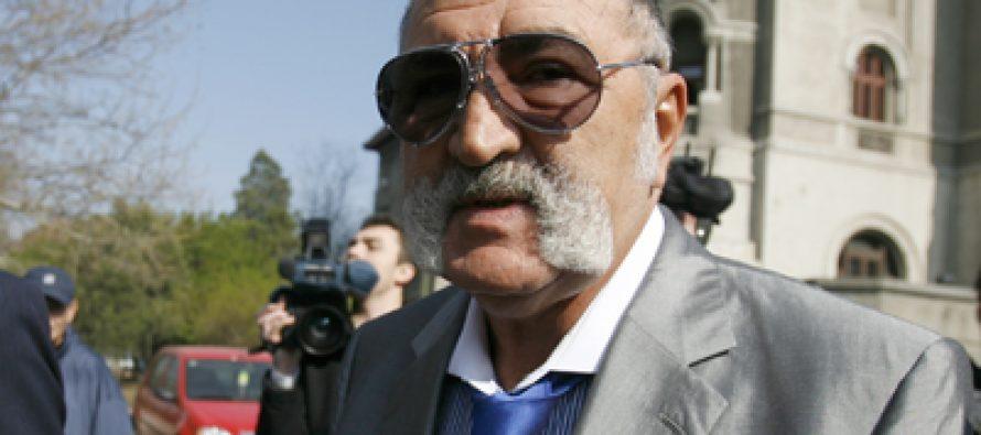 Ion Țiriac își vinde acțiunile de la UniCredit Ţiriac Bank cu 700 de milioane de euro