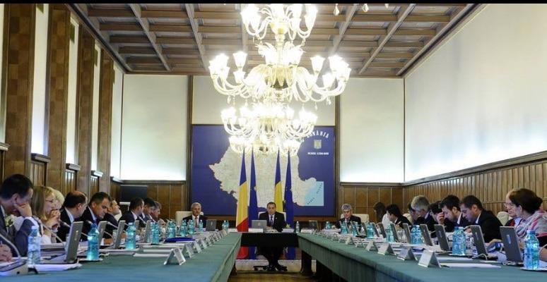 Ponta: De doi ani reparam ce a stricat Basescu. Am luat o tara in recesiune, cu datorii la FMI!