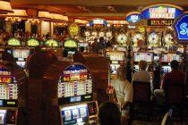 Jocurile de noroc, fascinatia romanului amator de risc. Cat bani pierd romanii la pacanele si pariuri