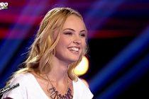 LARISA MIHAES din Roman, cea mai frumoasa concurenta de la VOCEA ROMANIEI. VIDEO
