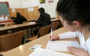 EVALUARE NATIONALA 2015 – SIMULARE EVALUARE. Elevii sustin luni proba la limba romana
