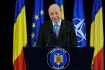 Basescu ii cere lui Victor Ponta sa -si dea demisia din fruntea Guvernului