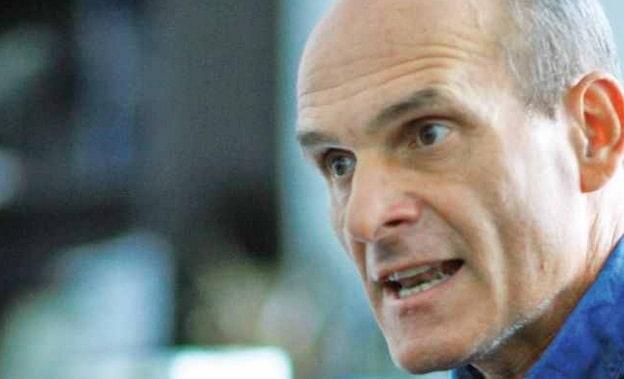 Cristian Tudor Popescu, despre discursul lui Basescu: Vorbeste ca si cum ar avea in fata pupitrul de la Cotroceni