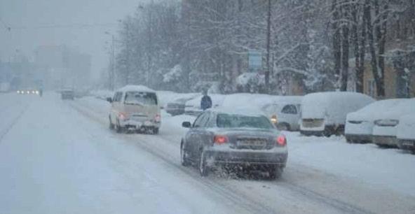 INFOTRAFIC: Se circula in conditii de iarna pe unele sectoare de drumuri nationale
