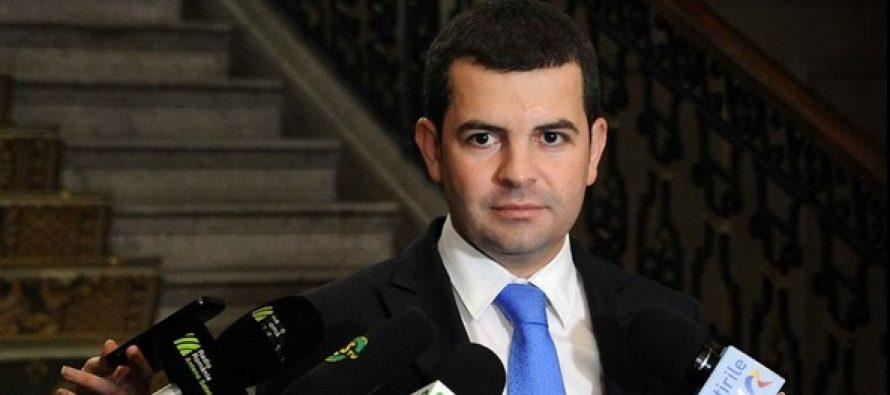 Daniel Constantin a verificat preturile inaintea reducerii TVA intr-un supermarket din Bucuresti