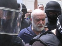Unul din fratii lui Omar Hayssam se afla in custodia Politiei Romane