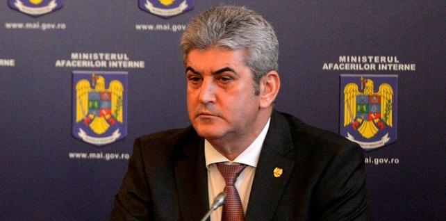 Legea pensiilor militare este in lucru la MApN si MAI, a anuntat Gabriel Oprea