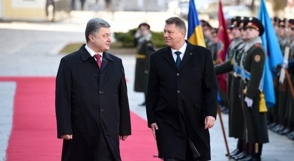 Klaus Iohannis, in Ucraina: Pozitia Romaniei, favorabila pentru mentinerea sanctiunilor la adresa Rusiei