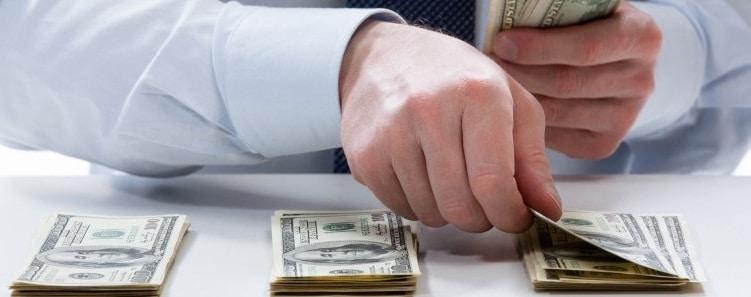 NOUA LEGE A SALARIZARII: Ce va asigura noua lege a salarizarii pentru profesori, medici, militari si functionari