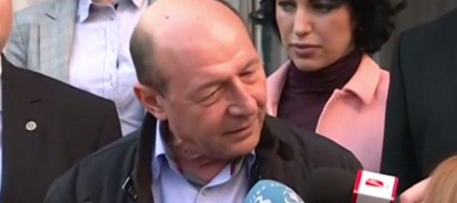 Basescu, nemultumit ca-i ploua in casa din Gogol: Nu se poate locui pentru securitatea unui presedinte