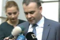 Darius Valcov a fost arestat. Fostul ministru a fost scos de la DNA in catuse si dus in arestul Politiei Capitalei