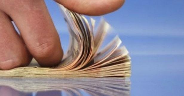 Impozit pe bacsis! Legea va impune ca bacsisul sa fie trecut pe un bon fiscal separat