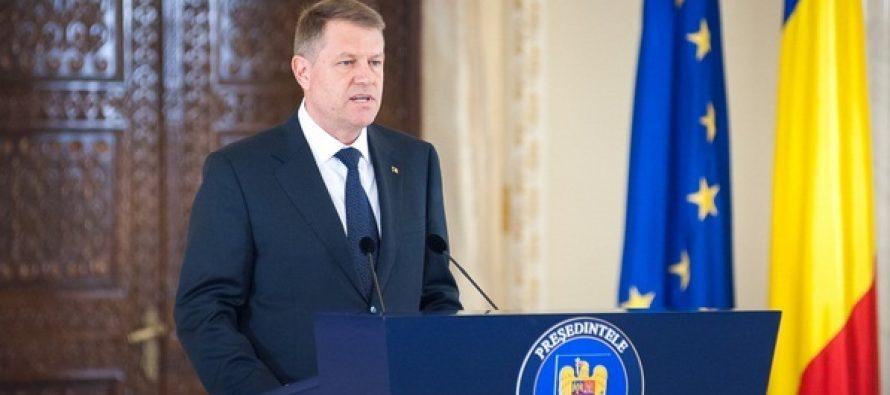 Presedintele Iohannis a semnat decretele pentru promulgarea a cinci legi, intre care una care introduce un nou caz de retragere a permisului auto