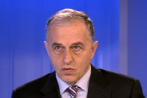 Mircea Geoana crede ca viitorul Guvern va fi politic si anticipeaza o alianta intre PNL si partide mici
