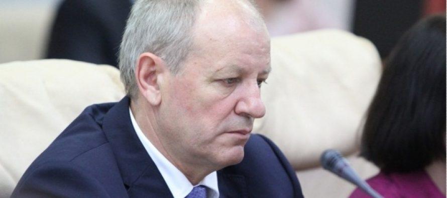 CHISINAU: Fostul ministru al sanatatii Andrei Usatii si mai multi sefi de spitale, retinuti de CNA