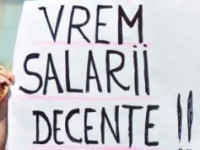 Protest in Piata Victoriei din Bucuresti. Angajatii din administratia publica cer salarii mai mari