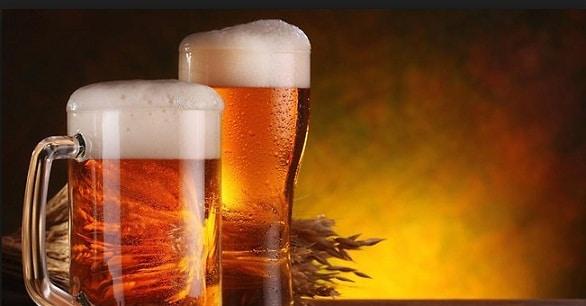 Vom avea bere mai ieftina! Un amendament care reduce TVA la berea la halba, adoptat de deputati