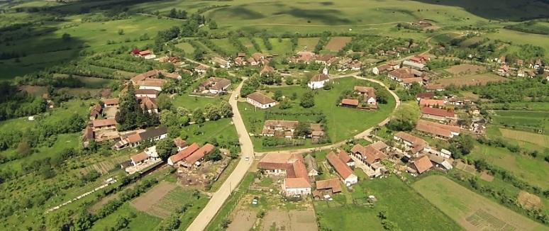 Obiective turistice din Timis, printre care Lacul Surduc, Charlottenburg sau bisericile din lemn din Faget, promovate pentru turisti
