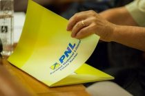 Candidatul PNL la Primaria Capitalei ar putea fi Adriana Saftoiu. Sunt probleme cu candidatura lui Cristian Busoi