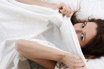 SEX PENTRU FEMEI. Femeile prefera sa fie sarutate pe tot corpul in timpul actului sexual