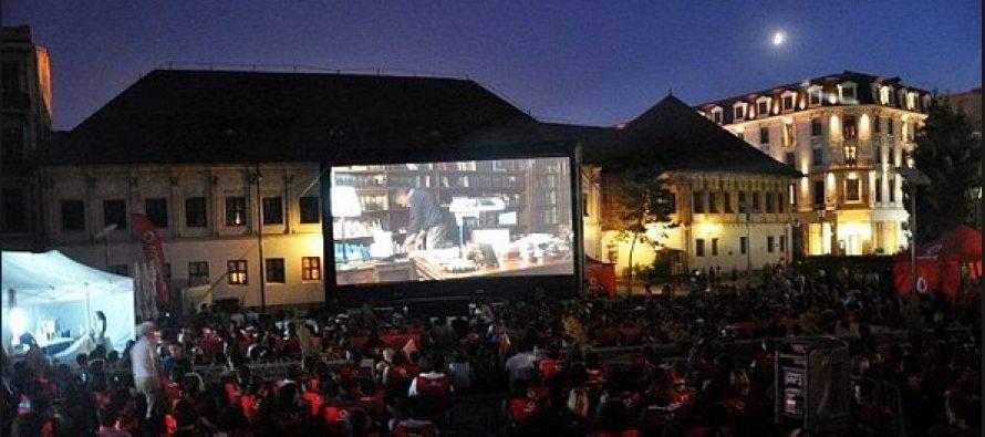 Cinema in aer liber in Parcul Rozelor din Timisoara