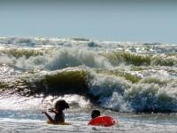 ATENTIE! Cod Rosu pe mare din cauza valurilor si curentilor puternici