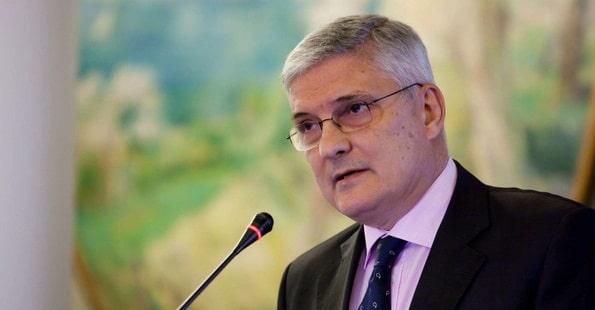 Daianu: Va fi o mare problema in economie daca se aplica noua grila de salarizare si relaxarea fiscala