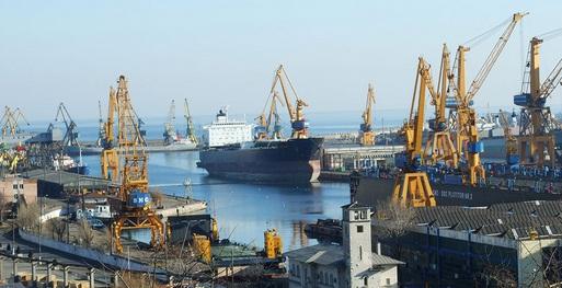Porturile din Constanta, inchise din cauza vantului. Portul Midia a fost inchis inca de luni