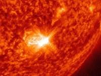 FURTUNA SOLARA PE 14 SI 15 MARTIE. Fenomenul va amplifica aurora boreala, dar ar putea cauza fluctuatii in unele retele electrice