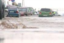 Cod Rosu de inundatii in Brasov si Covasna. Peste 100 de persoane din Lunca Marcusului vor fi evacuate