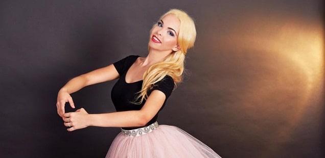 Sabrina Fabian, Barbie de Romania, fata cu ambitie de fier si talent de X FACTOR