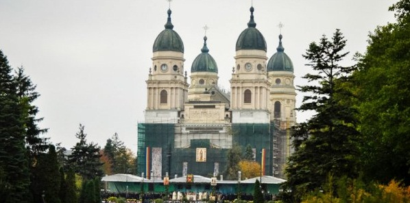 SF. PARASCHEVA, IASI 2015. ZILELE IASULUI 2015: Program de Sf. Parascheva la Iasi