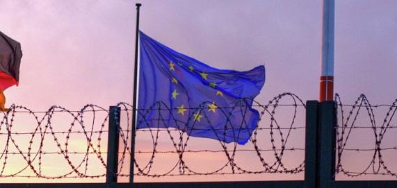 Controalele la granitele UE, inasprite de urgenta. Toti cetatenii europeni vor fi verificati, inclusiv cei din tarile Schengen