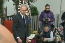Ambasadorul SUA a adus un ultim omagiu la locul tragediei din Colectiv