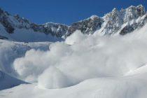 Avalansa la Balea Lac, casutele de lemn ale comerciantilor au fost distruse de zapada