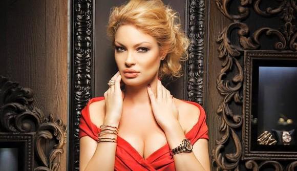 Valentina Pelinel insarcinata cu Cristi Borcea