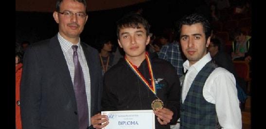 Akan Mujdaba, elevul calcat de tren la Valu lui Traian din Constanta, era olimpic la fizica