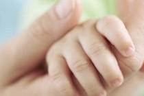 Copii salvati de la avort vor avea casa noua datorita unui preot din judetul Botosani
