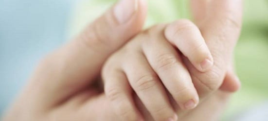 Copii salvati de la avort de un preot din judetul Botosani vor avea casa noua