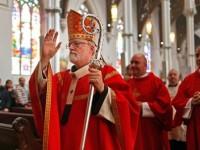 Un preot declarat mort si readus la viata sustine ca a fost in Rai si l-a vazut pe Dumnezeu cu chip feminin