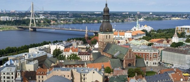 Letonia, un paradis financiar agasant - Courrier International