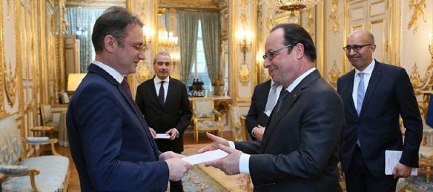 Luca Niculescu, ambasadorul Romaniei in Franta, primit de presedintele Hollande