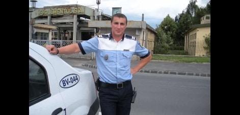 """Politistul Marian Godina a lasat fara permis un sofer cu """"pile"""". Ce s-a intamplat dupa"""