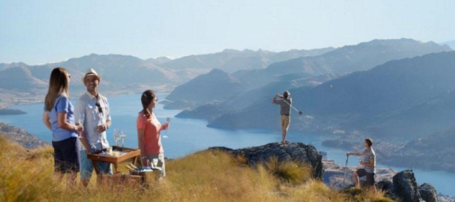 Turism pentru persoanele singure. Te intorci din vacanta nu doar cu amintiri frumoase, ci si cu prieteni noi