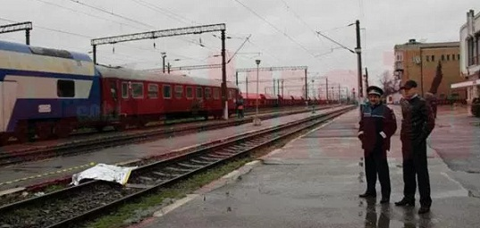 Adela Negrea, o tanara de 22 de ani din Aninoasa, a murit calcata de tren in gara Targu Jiu