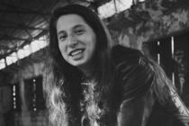 Artemis Bolog, o eleva de 17 ani din Petrila, s-a sinucis in padure. Artemis urma sa dea examenul de Bacalaureat
