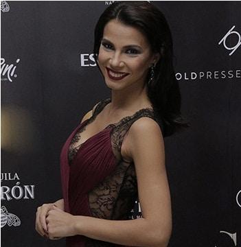 Fata de la LOTO e HOT! Irina Mohora, prezentatoarea emisiunii LOTO de la TVR, a facut furori cu o rochie visinie